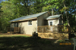 Private & Cozy Countryside Cabin near Bancroft