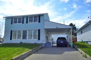MAKE AN OFFER !!!!!!!!!!!!GREAT HOME FOR SALE IN ELLIOT LAKE!!!!