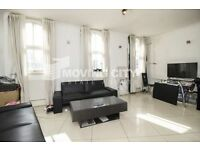 2 bedroom flat in Mayfair Apartments, Aldgate East, E1