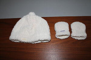 JJ Cole Hat & Mitts (0-6mths)