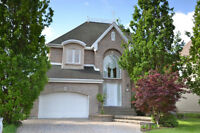 Large house for sale in Laval!