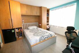 1 bedroom in Burnham Gardens, HOUNSLOW, TW4(Ref: 1119)