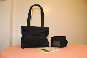 Medela Double Electric breast pump in Carrying purse Kitchener / Waterloo Kitchener Area image 7