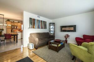 Bright & Sunny 2 bdm, 2 bath, Family-Friendly Condo in North End