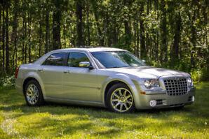 LUXURIOUS 2005 Chrysler 300C HEMI   Clean   Low Km's   Video