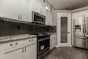 REDUCED! Beautiful 5 bdrm home in Penhold!