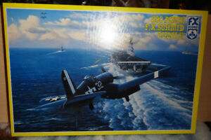 US NAVY WW2 AIRCRAFT PUZZLE 500 PIECES