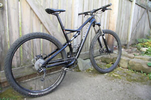 2016 Specialized Camber 29er Dual Suspension Mountain Bike