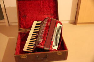Borsini Italian 120 Base Accordion & Case for Sale
