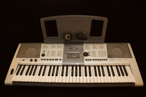 YAMAHA YPT 410 KEYBOARD WITH POWER SUPPLY AND KEYBOARD STAND