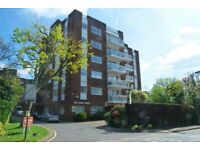 2 bedroom flat in Oak Lodge Close, STANMORE, HA7