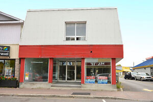 STOREFRONT & RESIDENTIAL BUILDING -5 UNITS- DOWNTOWN HAWKESBURY