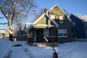 SOLD 21 Armstrong Ave $189,900 Remax Zena Park MLS #1151172