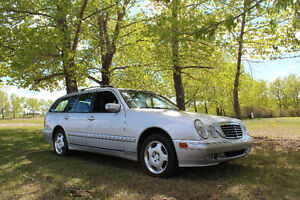 2002 Mercedes-Benz E320 4matic, 7 seater Wagon
