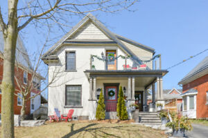 Spectacular Uptown Waterloo Updated Century Home!