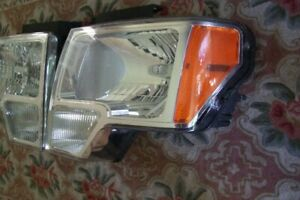 DRIVER'S SIDE FORD F150 HEADLIGHT ASSEMBLY