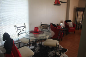 $48,600.00 !! TWO BEDROOM APT . U/G STALL-LOW FEES!! WOW!!