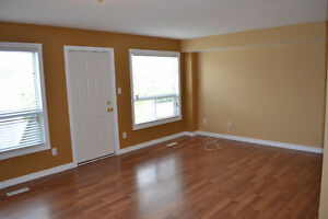 Rooms for rent, great for students. Close to Western London Ontario image 3
