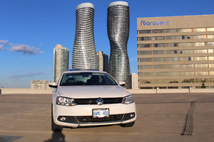 2012 Volkswagen Jetta Highline Fully Loaded