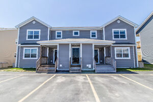 Just Listed: 428 Blackmarsh Rd Unit 4 (UPGRADED UNIT)