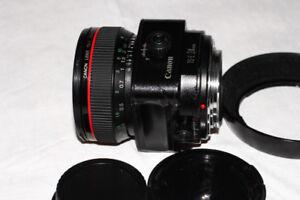 Mint condition Canon TS-E 24mm f3.5 L for sale.The architectural
