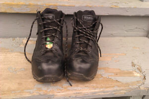 womans WOLVERINE Steel Toe Shoe