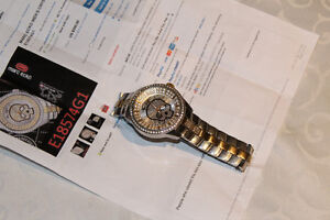 Marc Ecko crystal vibe skull watch..bling bling