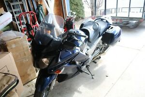 Selling a 2006 Yamaha FJR 1300 in Good Condition