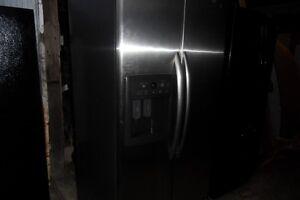 Stainless Steel fridge side by side W / icemaker