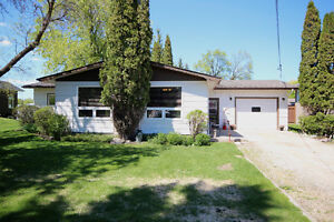 Great Location! Close to Carman Golf Course