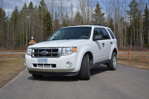 2009 Ford Escape 4WD, 6-cylinder 3.5L engine with 65,0000 kms
