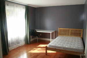 room for rent close to seneca college