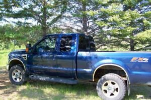 2009 f350 super duty pickup. Perfect to tow your camper.