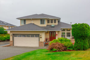 Lovely ocean view home in North Nanaimo