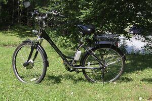 SCHWINN    electric bicycle
