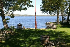 All season cottage rental on Crowe Lake