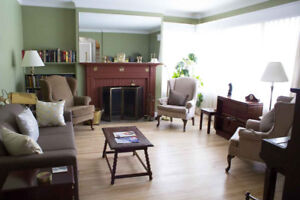 House for rent - 5 min walk from Canora Train Station