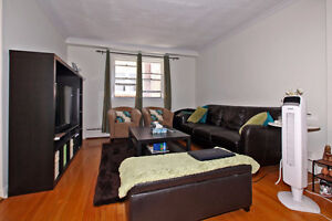 Large 2 Br Unit - Yonge and Eglinton - Walk To Subway
