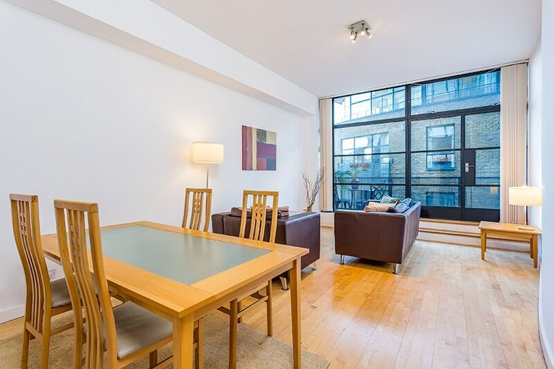 Extremely MODERN&QUIET 1 bed flat. Ideal to commute to the city. Porter&Balcony bonus features!!