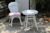 white whicker table and chair set
