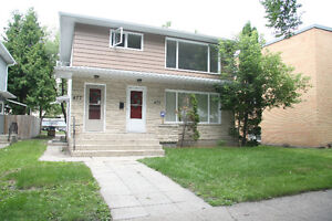 SOUTH OSBORNE**2 BEDROOMS**475 WOODWARD***FULLY RENOVATED