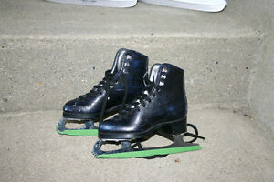 ITECH CCM BOY'S SKATES(SIZE 3)/ANTIQUE JACKSON SKATES/BAUER SKAT London Ontario image 2