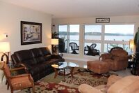 Stunning condo right on the harbour! One of the best views!