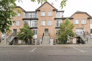 STUNNING 3 BED-2 1/2 BATH-TOWNHOUSE IN THE HEART OF NORTH YORK