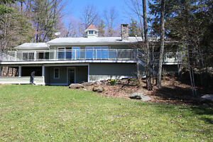 Stunning Four Bedroom Muskoka Cottage