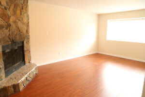Very Spacious Upstairs Unit 3 Bedroom/2 Full Washroom For Rent