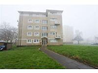 2 bedroom flat in New Brent Street, Hendon, NW4