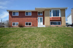 New Listing! 103 Wexford Dr - Large lot, Perfect Family Home!