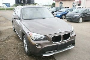 2012 BMW X1 AWD, LEATHER, S/ROOF, ALLOYS