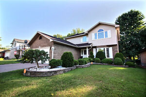 864 Dean Drive OPEN HOUSE SUNDAY OCT. 2ND 2 - 4 PM